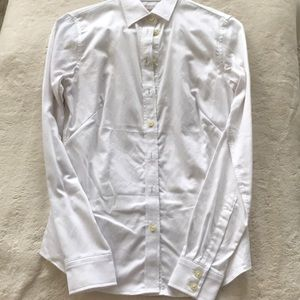 Banana Republic non-iron fitted blouse